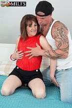 The recent British MILF fucks the delivery boy